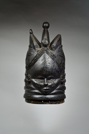 Sowei mask from the Sande society 3.0